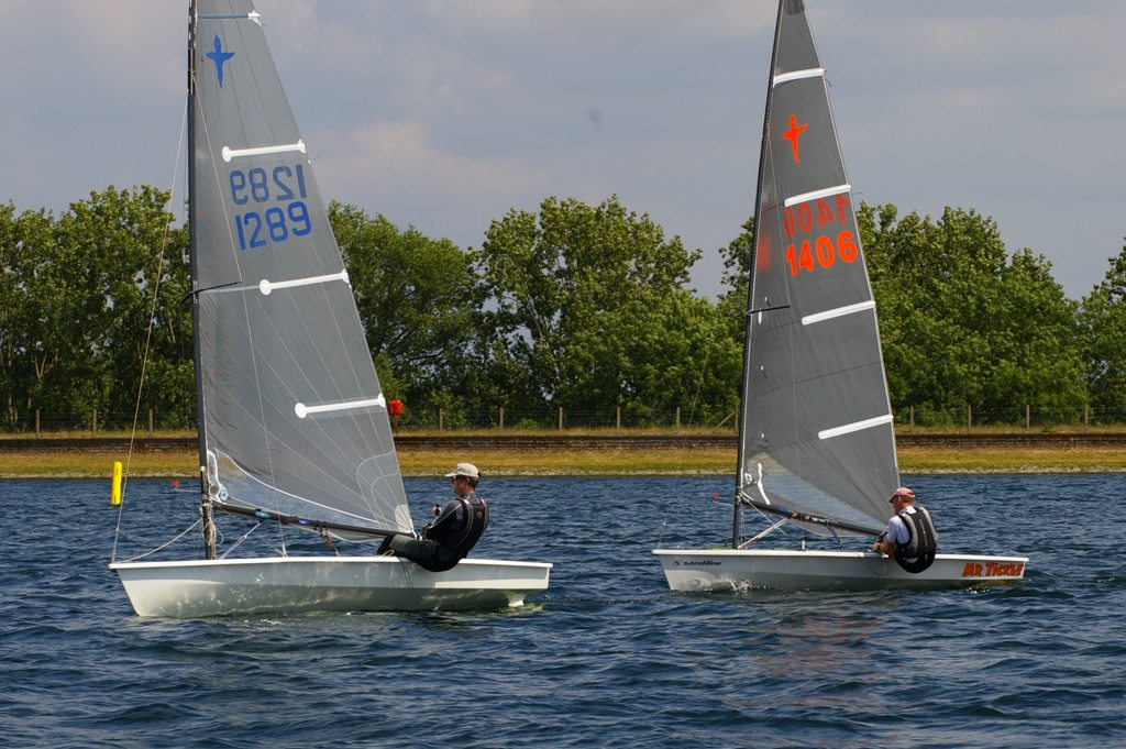 Second place Richard Barker leading winner Mike Tustin at the IBRSC Phantom Open