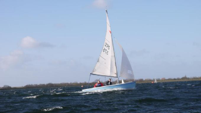 sailing in strong gusts 0011 (c)James Curtis