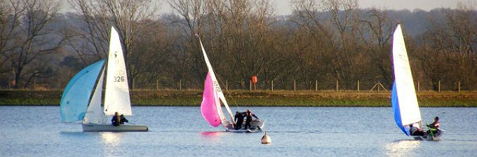RS200 Sailing - Training from the RYA at Island Barn Reservoir Sailing Club
