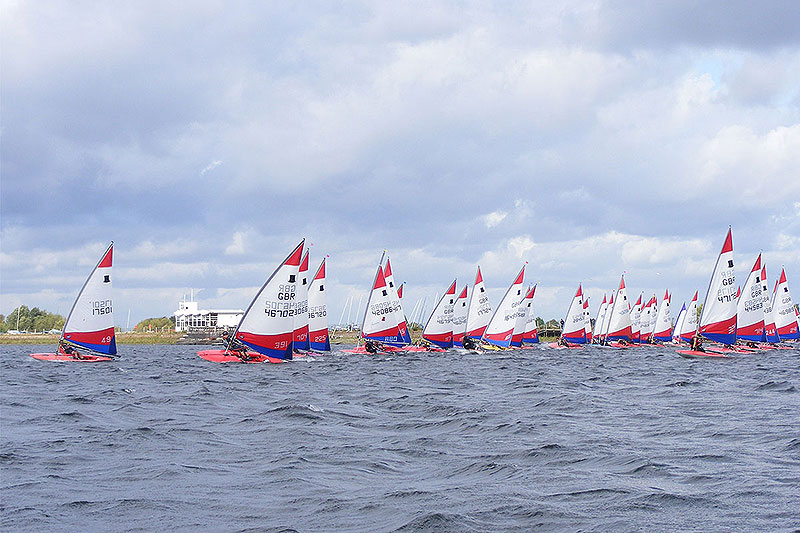 006-topper-open-start-line-island-barn-reservoir-sailing-club_(c)Nick_Marley